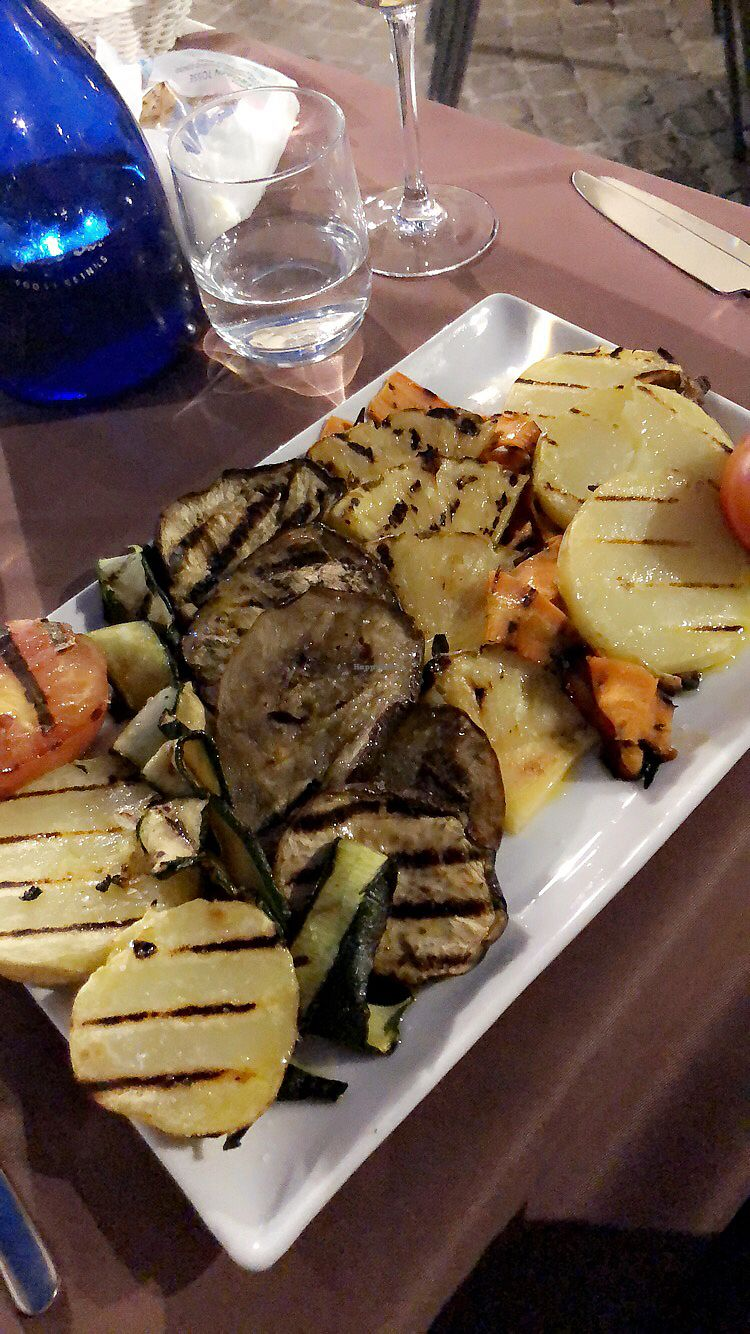a6a4f253c1 Vegan starter grilled vegetables and fruit at Il Bistrot in Perugia