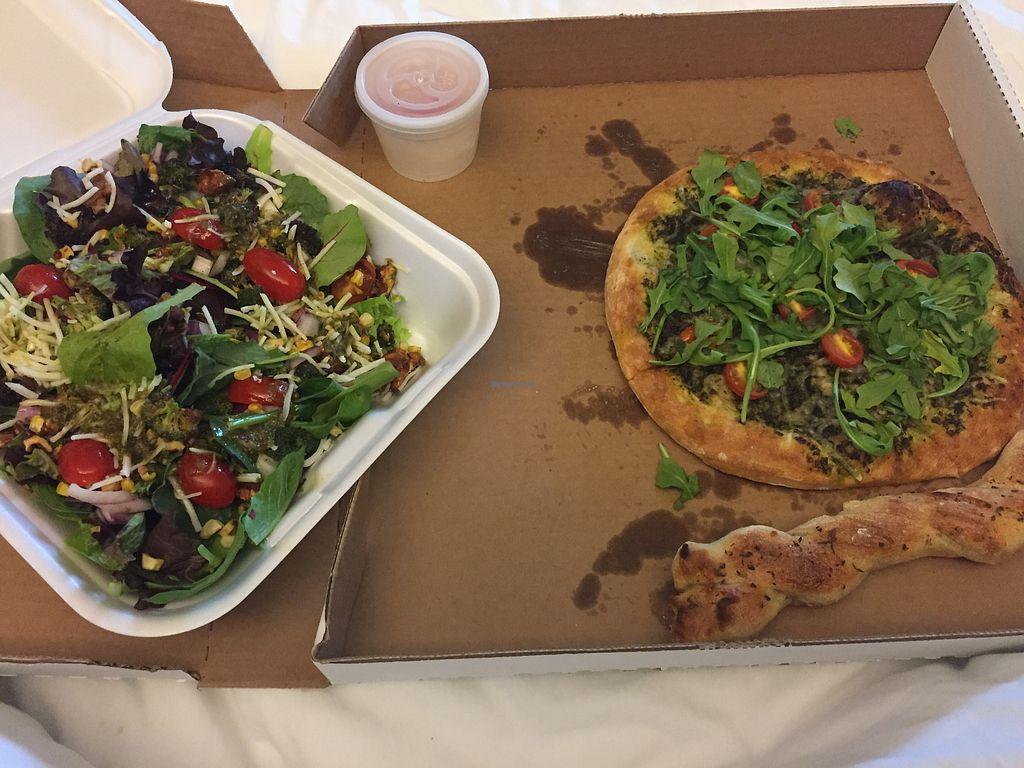 Heartland Pizza Company Green Bay Wisconsin Restaurant