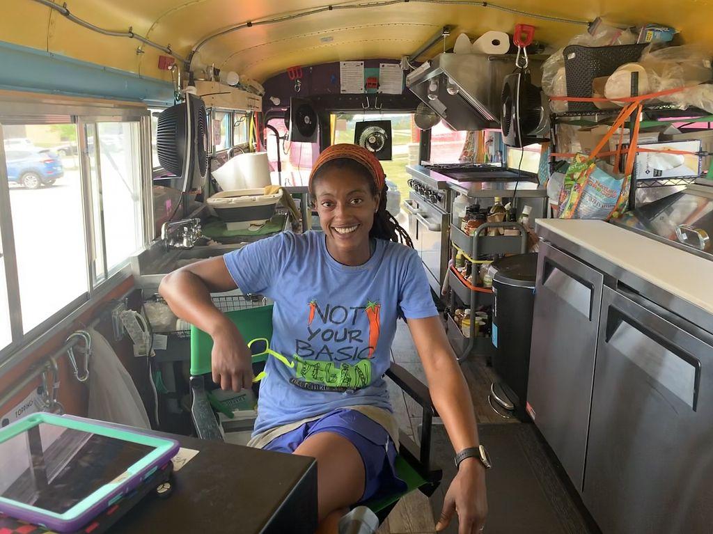 Veggie Thumper Food Truck Des Moines Iowa Food Truck Happycow