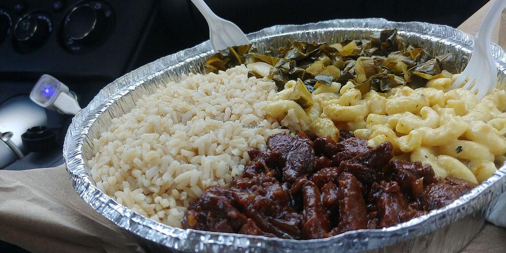 Vegetarian Restaurant In Worcester Large Brown Rice Pepper Steak Mac N Cheese Collards 15 At Belmont