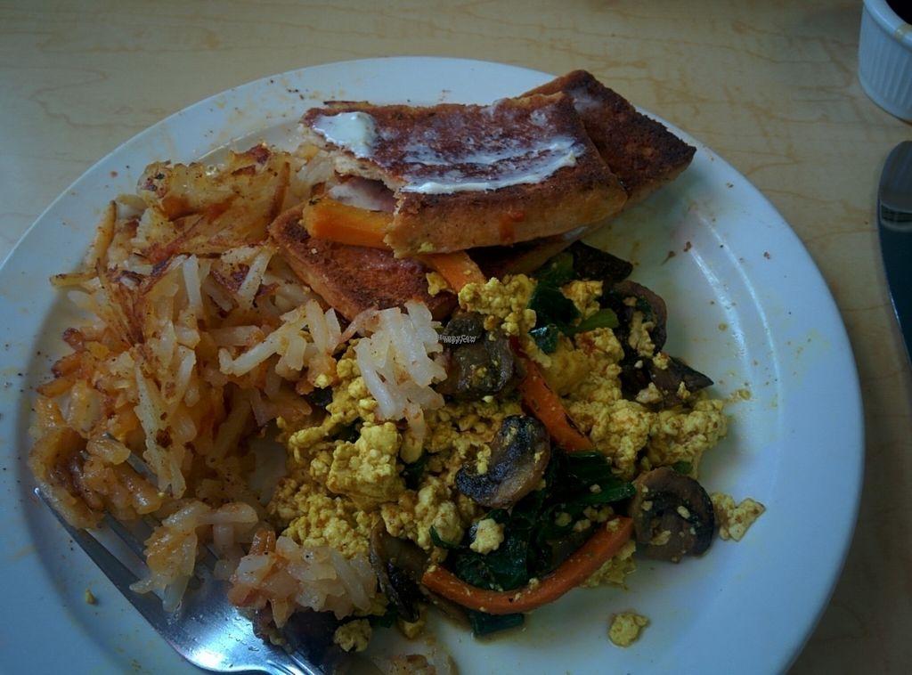 5a6af84b Breakfast scramble, tofu scramble, hash browns, toast. Very good at Pepples  Donut