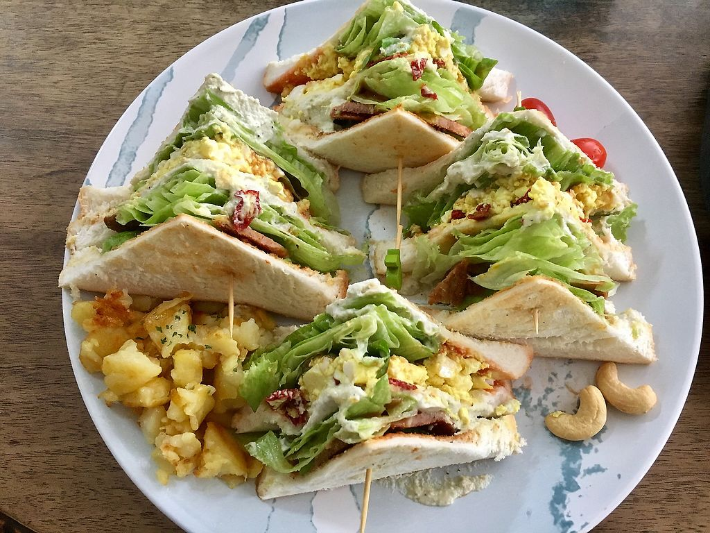10 Best Vegan Restaurants in Bangkok, Thailand - 2021 - HappyCow