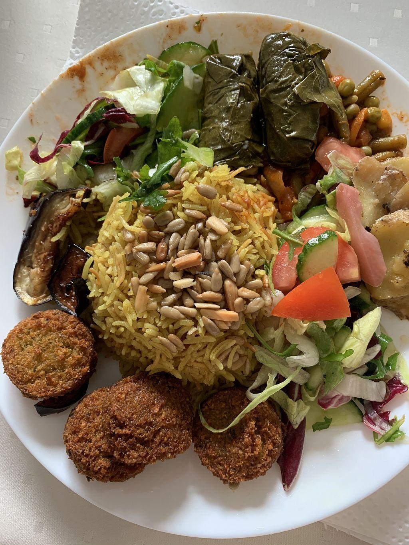Fatima Und Die 9 Zwerge Dresden Restaurant Happycow
