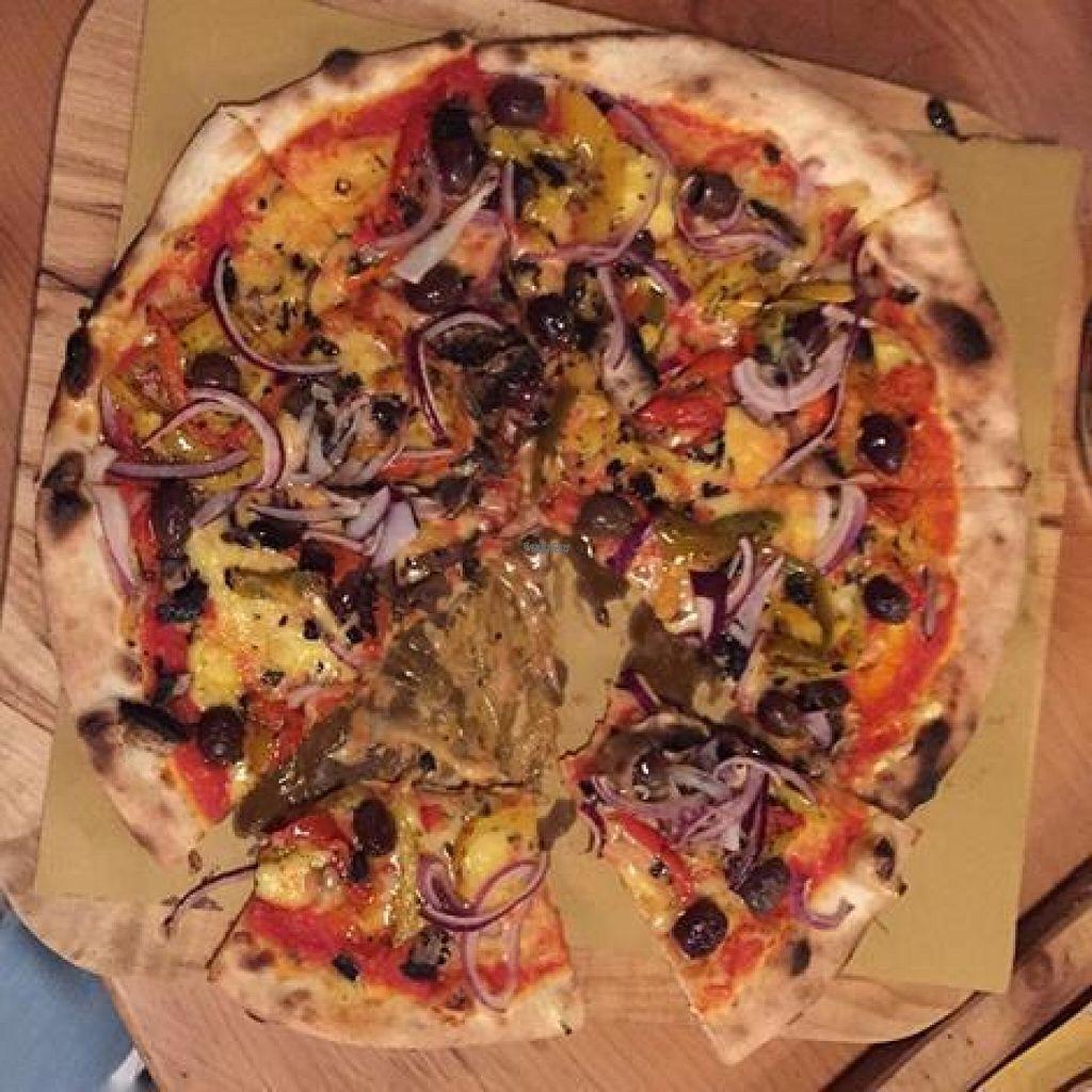 brick pizza norwich restaurant happycow. Black Bedroom Furniture Sets. Home Design Ideas