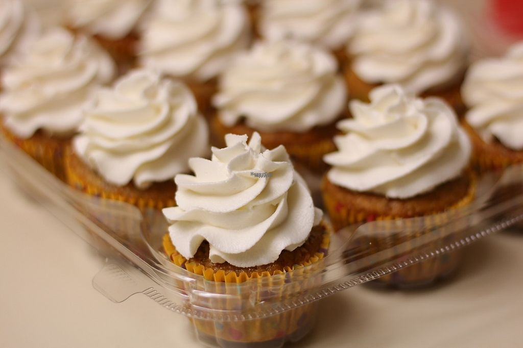Banana Bourbon Maple Cupcakes At Positively Frosted In Scottsdale