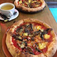 vegan pizza at Aperitivo in Dublin
