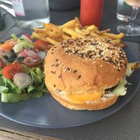 Veggie cheeseburger  at Cafe Ploom in Le Pouliguen