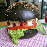 vegan burger at Roots Juicery in London